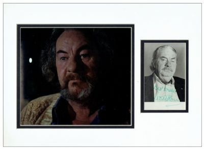 Leo McKern Autograph Signed Display - The Omen